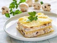 Рецепта Лазаня Карбонара с гъби, бекон, бяло вино и сос Бешамел с прясно мляко на фурна